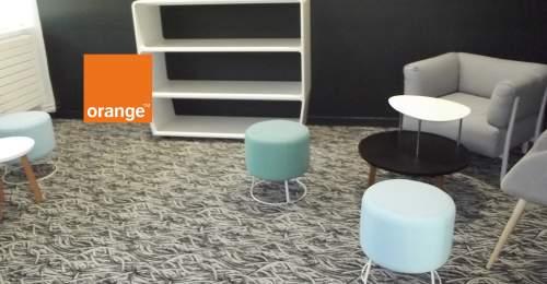 Bureaux et sols d'orange sur mesure
